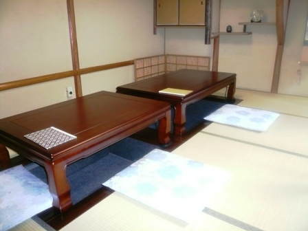 テーブル席_掘りごたつ
