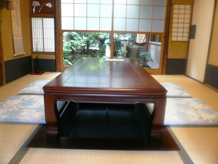 テーブル席_掘りごたつ01
